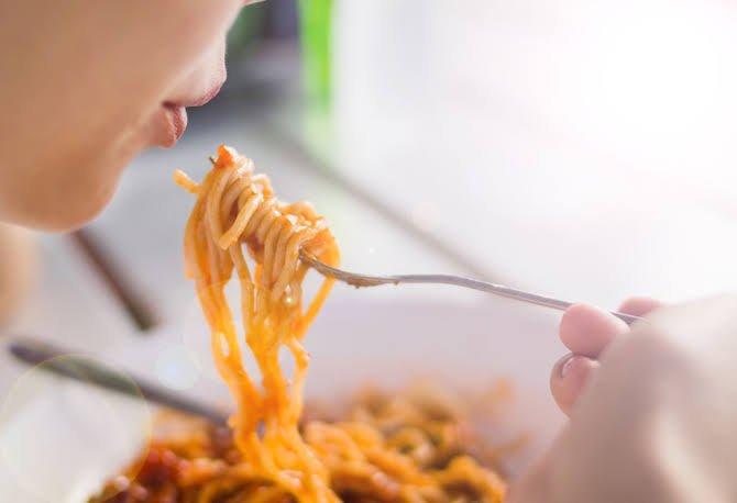 Mencegah Mual Saat Hamil - Makanan Bertepung.jpg