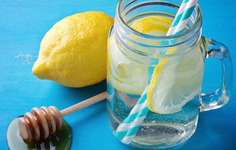 Gunakan Madu dan Lemon