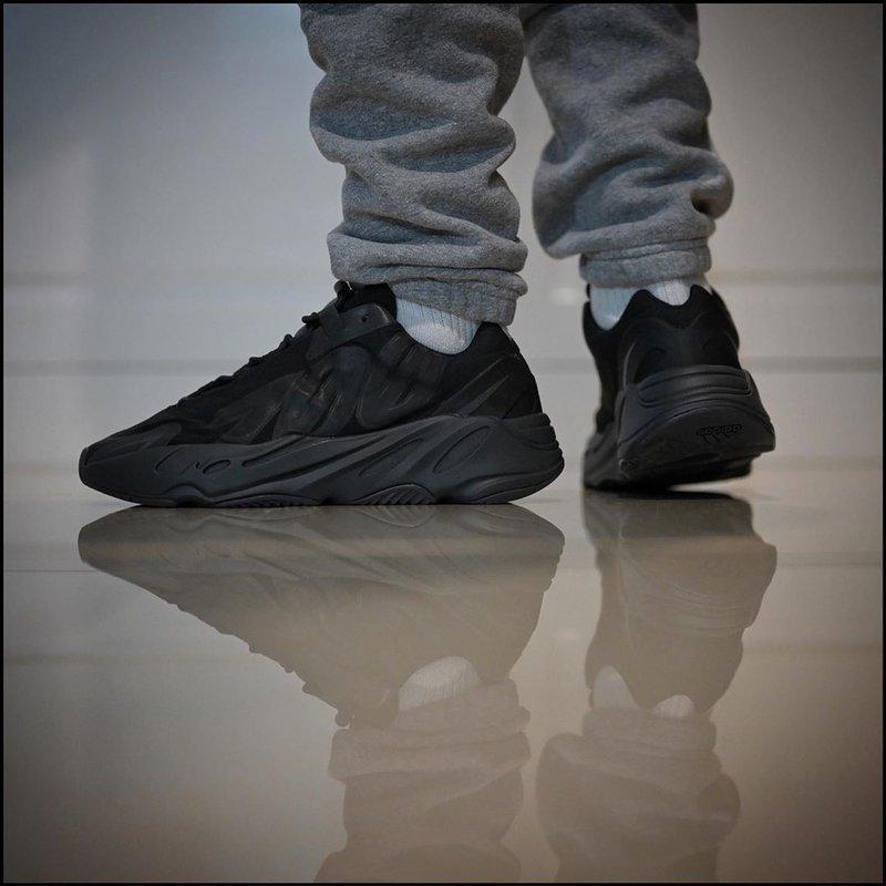 sneakers Gading Marten-adidas yeezy 700
