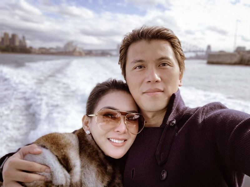 artis yang menikah dengan pengusaha-Syahrini