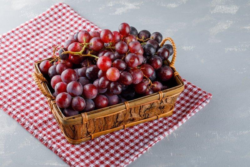 Perbedaan Anggur Merah dan Anggur Hitam
