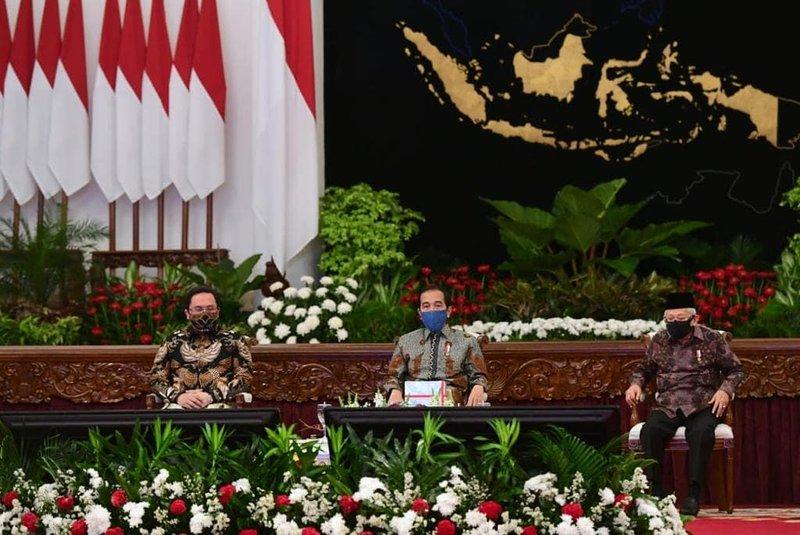 Jokowi bubarkan Gugus Tugas Covid-19