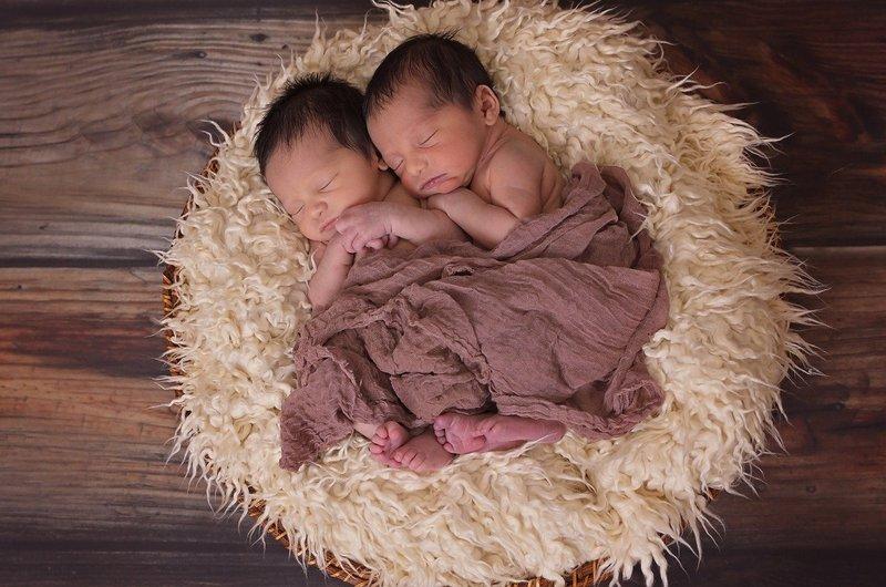 10 Ide Nama Untuk Anak Laki-Laki Kembar 1.jpg