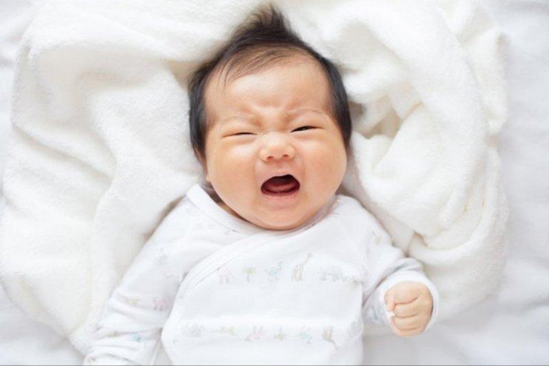 penyebab bayi sering kentut-4