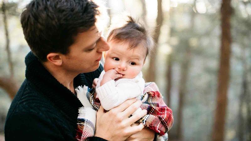 1127 dad baby 1600x900