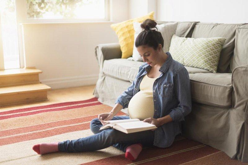 Meningkatkan Aktivitas Otak Bayi di Kandungan