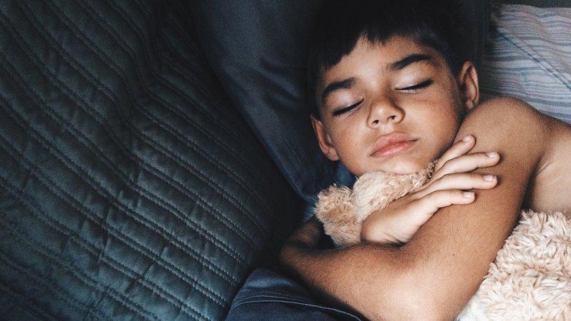 perawatan di rumah saat anak tifus