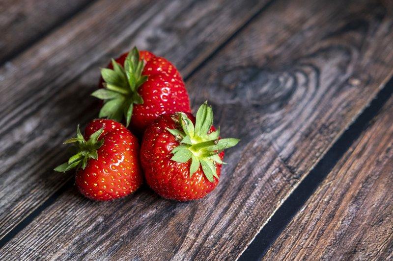 Buah strawberry kaya antioksidan