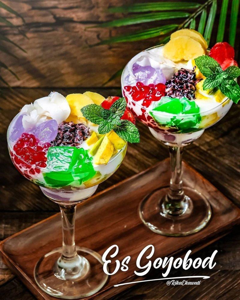 makanan khas Sunda yang terkenal-es goyobod