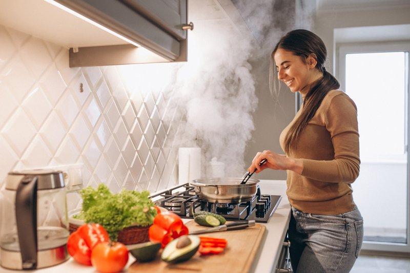 1 -6 Pekerjaan Rumah yang Membakar Kalori Berikut Jumlah Kalori yang Terbuang.jpg