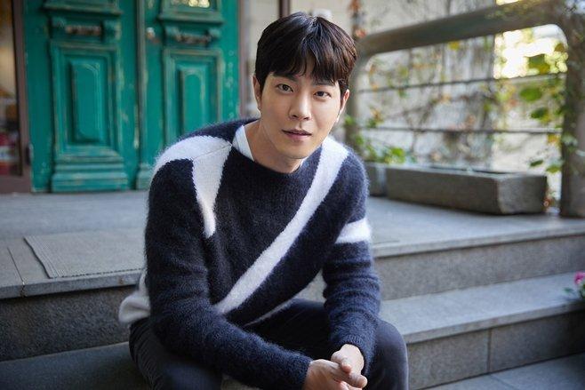 Profil Hong Jong Hyun