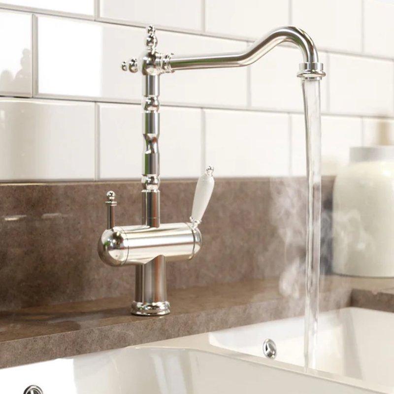 cara menghilangkan gosong di panci dengan air panas