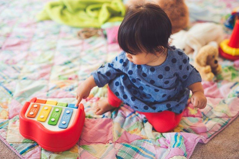 1 Efek Buruk Suara Mainan Pada Bayi.jpg