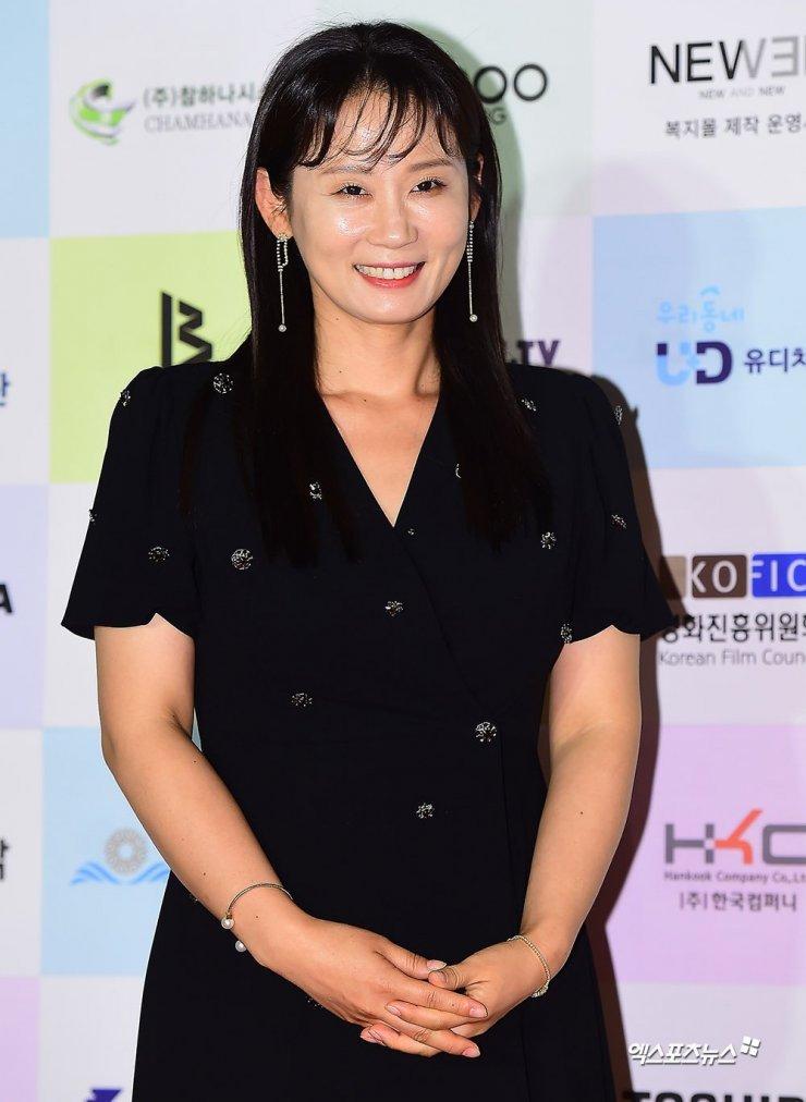 Profil Kim Sun Young