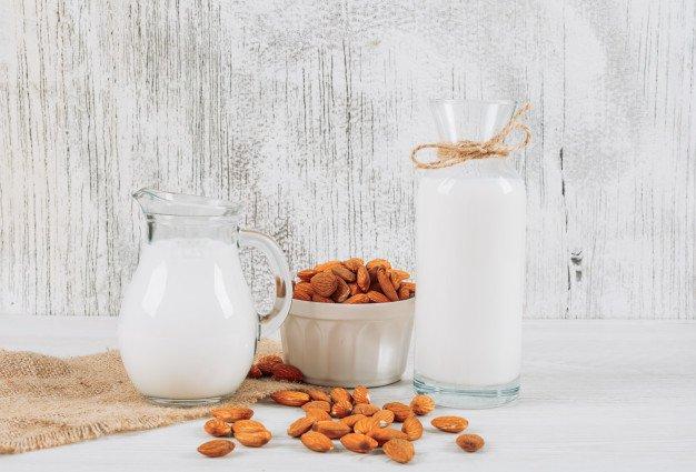 cara membuat susu almond ala rumahan