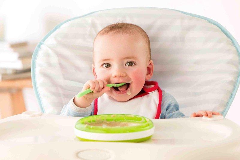 2 bayi makan