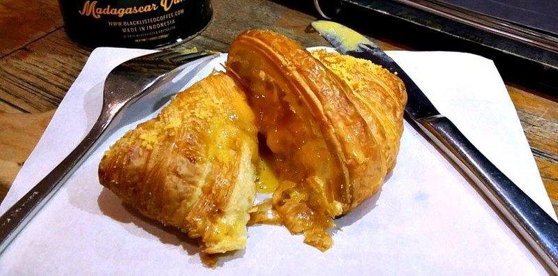 croissant dan resep thai tea.jpg