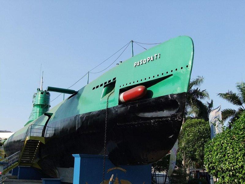 2 kapal selam