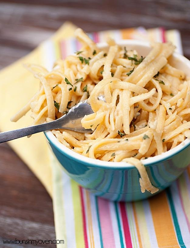 2017creamy garlic pasta recipe 1