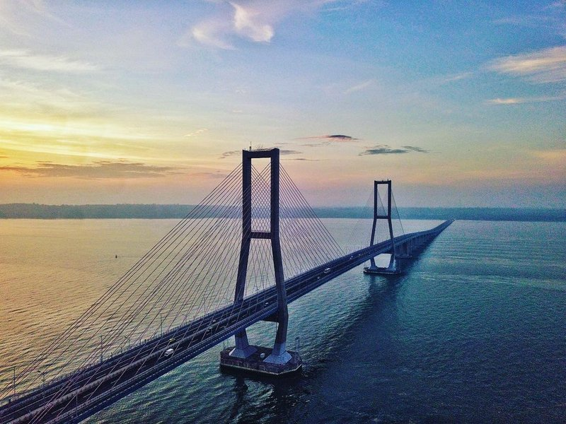 wisata Surabaya-jembatan Suramadu