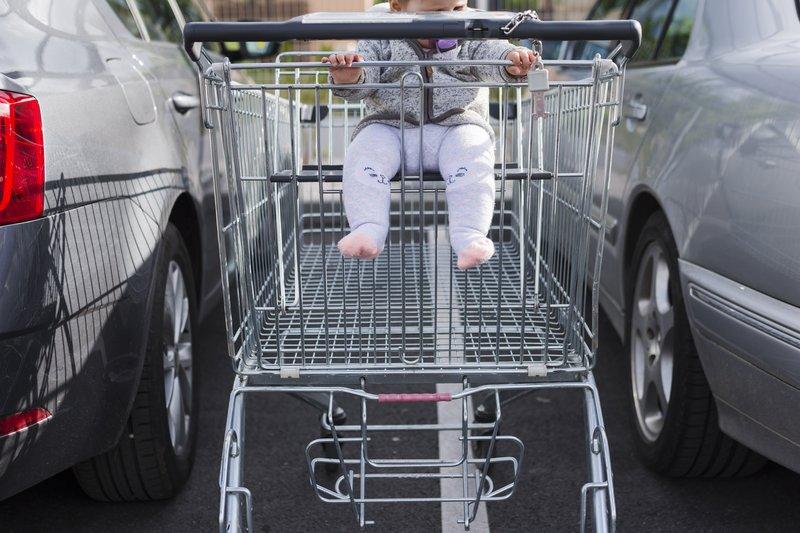 XX Tips Mengajak Bayi Jalan-jalan Ke Mall 3