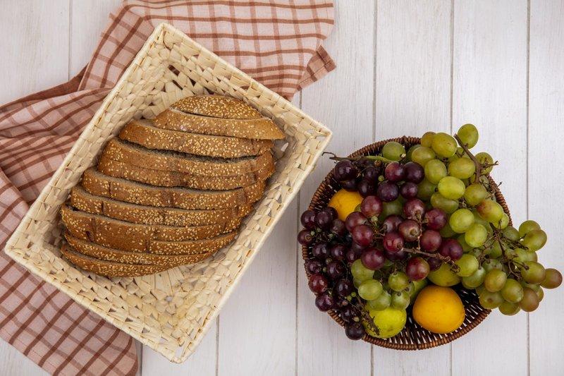 Anggur mengandung banyak nutrisi dan vitamin