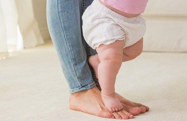 mengistirahatkan bayi dari popok