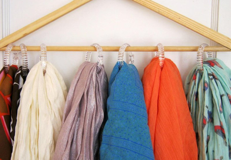 2f96ef8c fecc 4abc 8578 1f6450e3b158 amazing storage hacks small clothes scarves