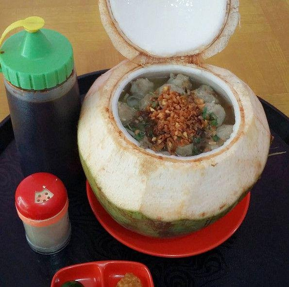 3. bakso batok kelapa
