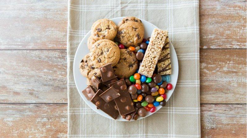 3. makanan manis