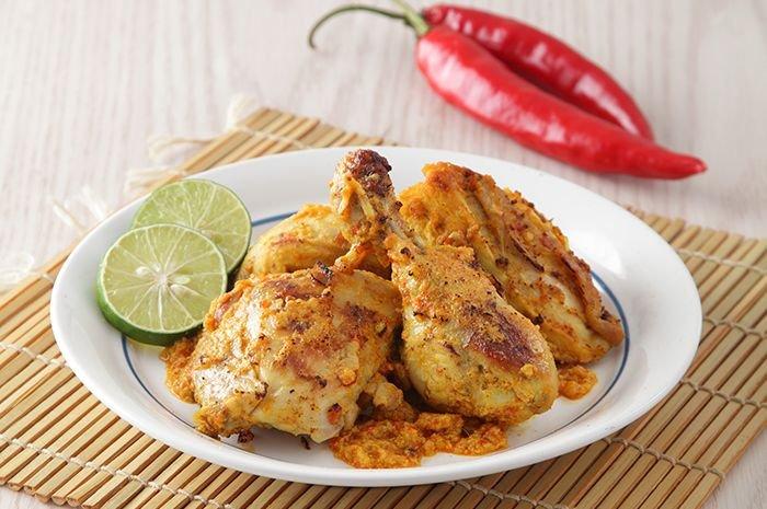 Ayam Iloni khas Gorontalo berbeda dengan ayam bakar biasa