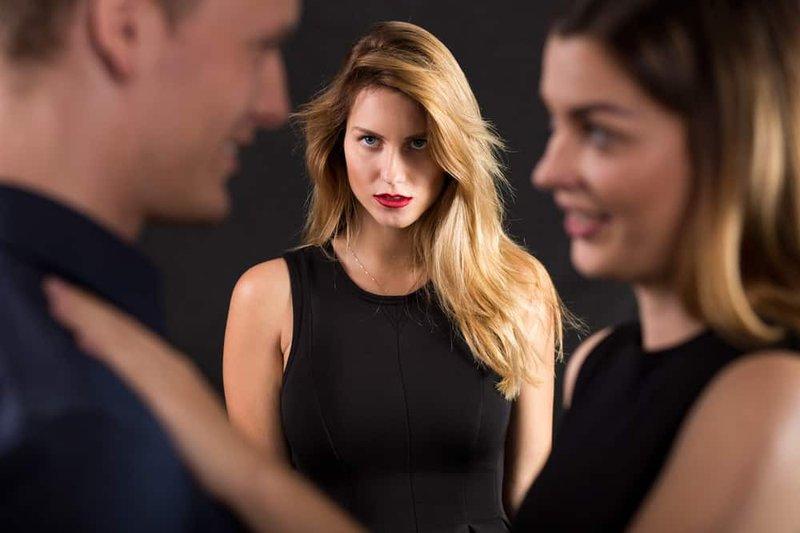 3 Alasan yang Sering Dipakai Seseorang untuk Selingkuh 1.jpg
