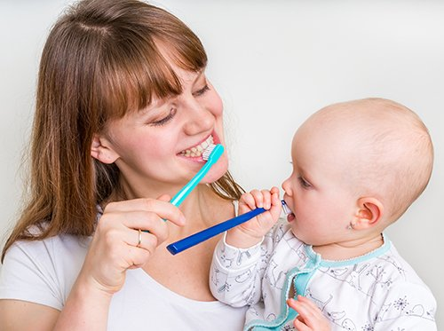 3 Hal Tentang Gigi Berlubang pada Bayi yang Harus Diwaspadai -3.jpg