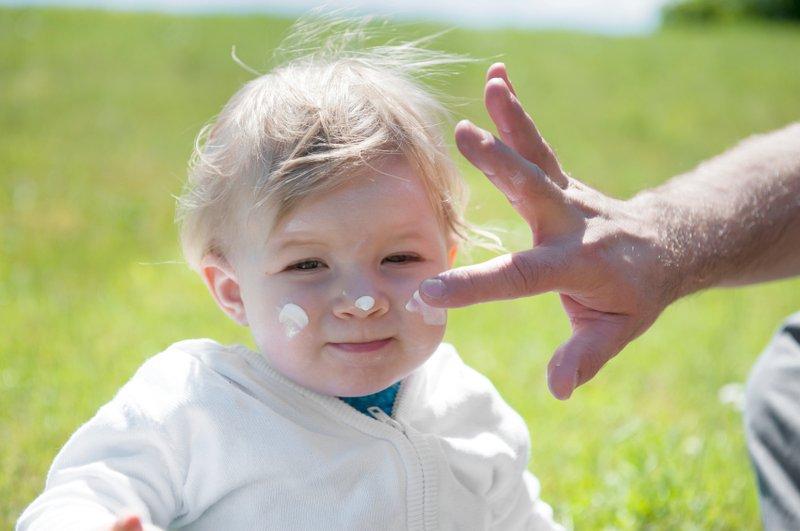 3 Hal yang Harus Moms Tahu Tentang Sunscreen untuk Bayi -1.jpg