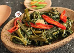 5 Resep Sayur Kangkung yang Sederhana, Moms Mesti Coba!