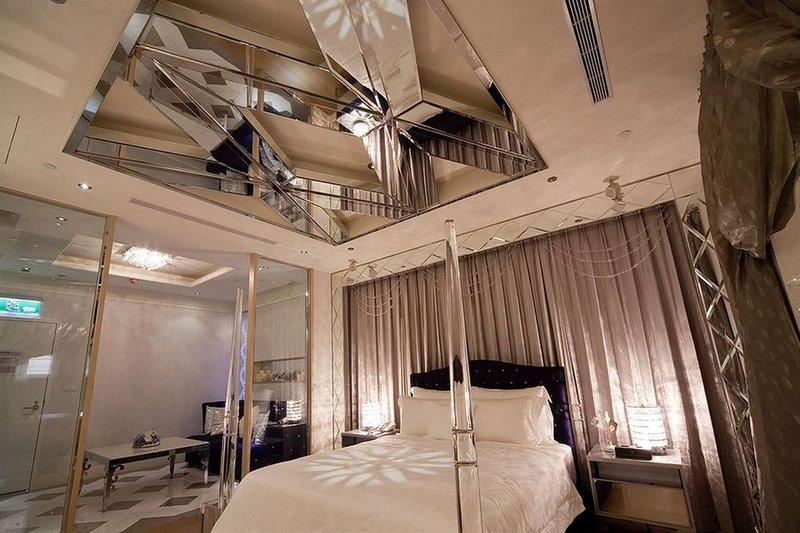 3 Posisi Seks di Kamar Hotel yang Bisa Dicoba Saat Staycation 03.jpeg