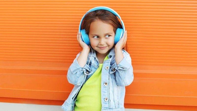 3 Tips Aman Menggunakan Headphone Untuk Anak 2.jpg