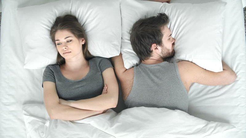 3 Topik Pillow Talk yang Sebaiknya Dihindari Setelah Berhubungan Seks 03.jpg