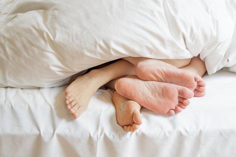 3 posisi seks ini cocok dilakukan setelah bekerja 03