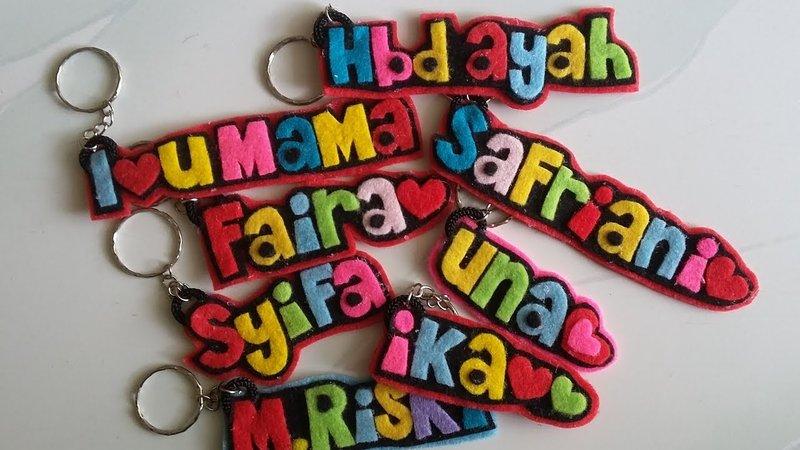 cara membuat gantungan kunci dari kain flanel bentuk nama