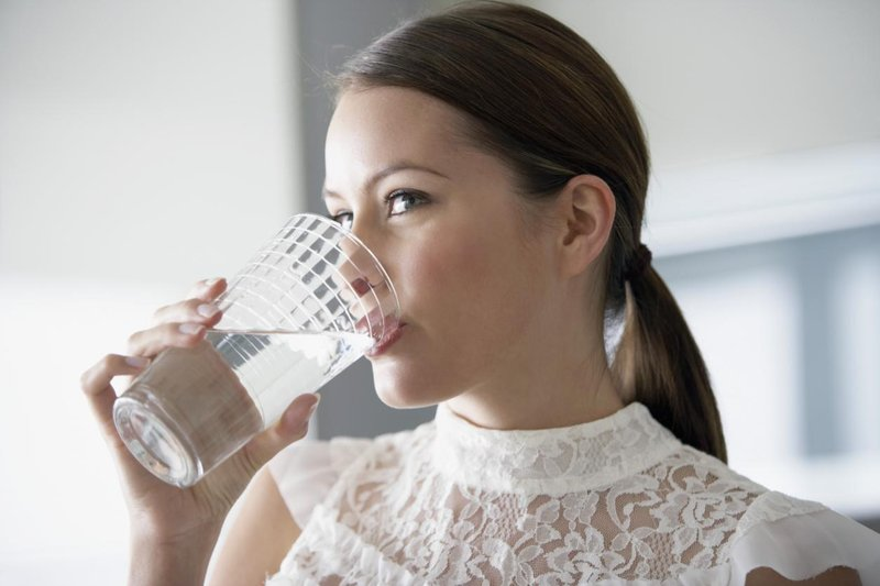 4 air putih