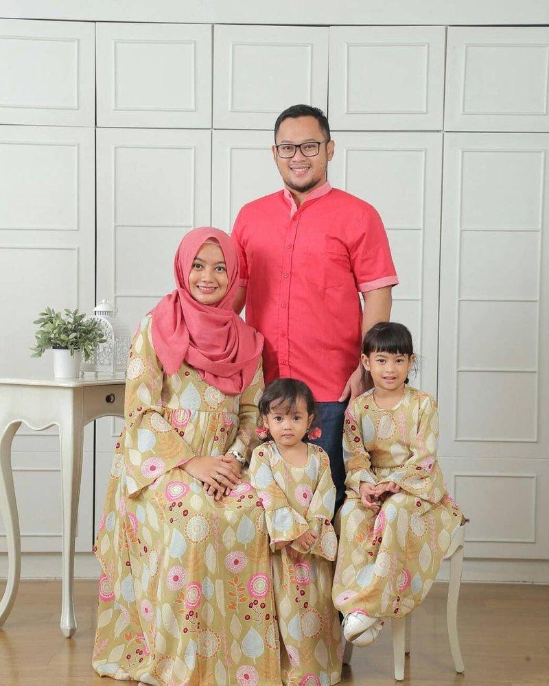 4 baju kembaran