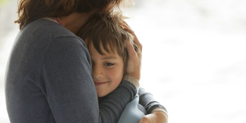 Beri Pujian untuk Grow Happy pada Anak.jpg