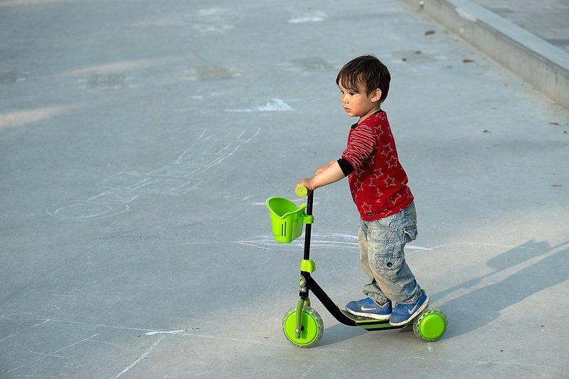 4. Mainan yang mendorong anak menjadi aktif, mainan edukasi untuk balita.jpg