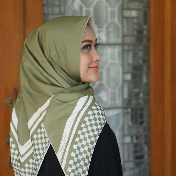 warna jilbab yang bikin wajah putih hijau army