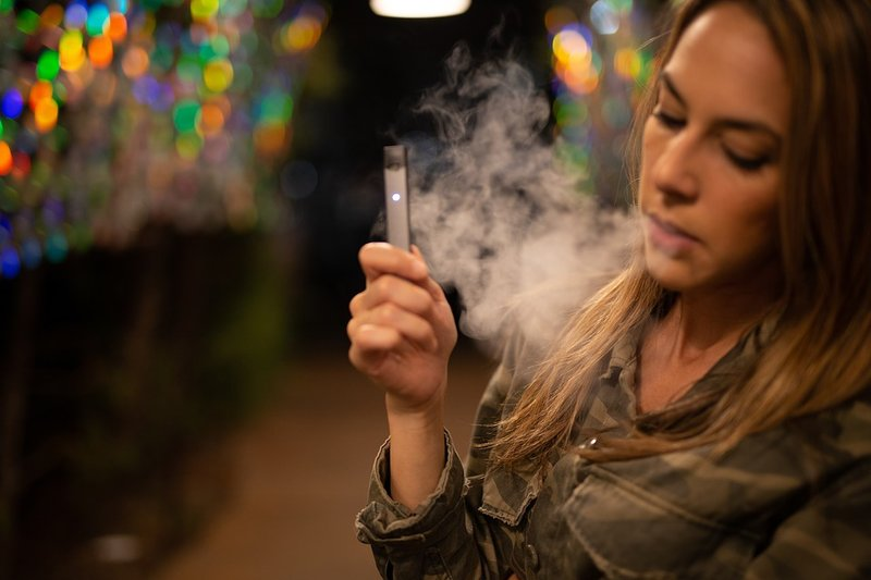 alasan berhenti menggunakan rokok elektrik