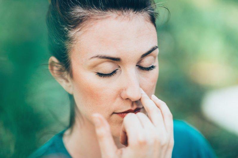 cara mengatasi jerawat di hidung