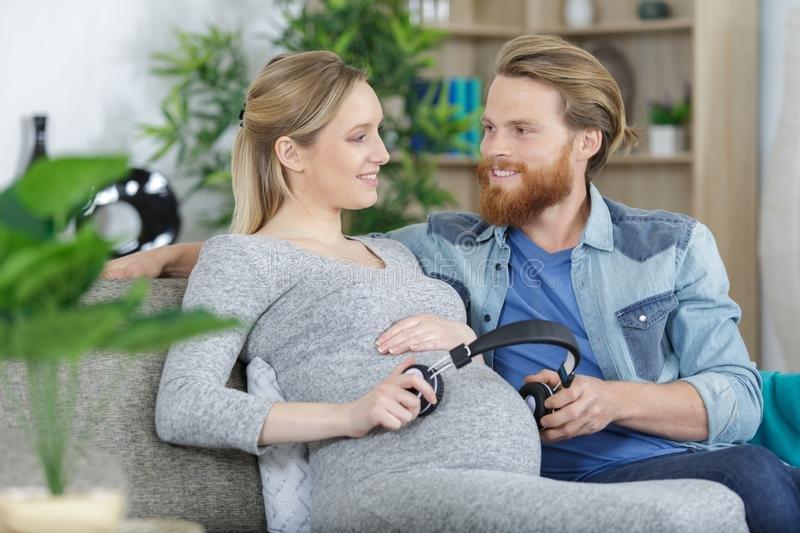 4 Cara Membangun Bonding dengan Dads Selama Hamil 3.jpg