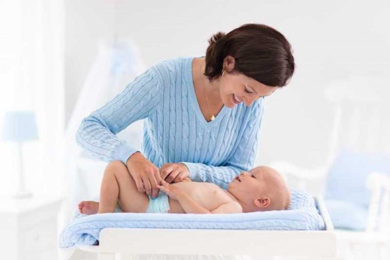 4 Cara Membuat Acara Mengganti Popok Bayi Lebih Menyenangkan -4.jpg