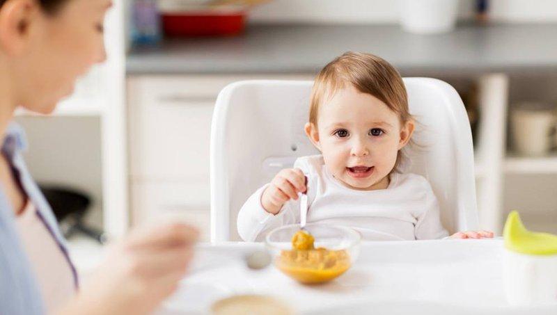 4 Cara Menghindari Perut Balita Kembung Setelah Makan